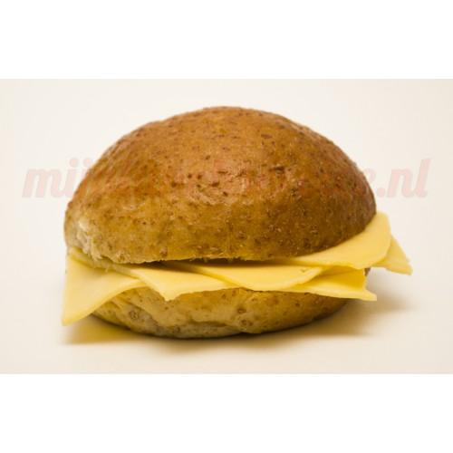 Zacht Broodje Oude Kaas (Bruin)